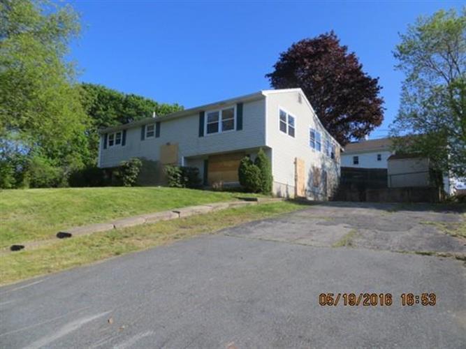 245 Walter St, Fall River, MA 02724