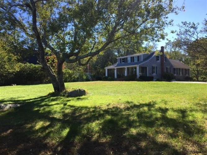 6 Center Hill Rd, Plymouth, MA 02360