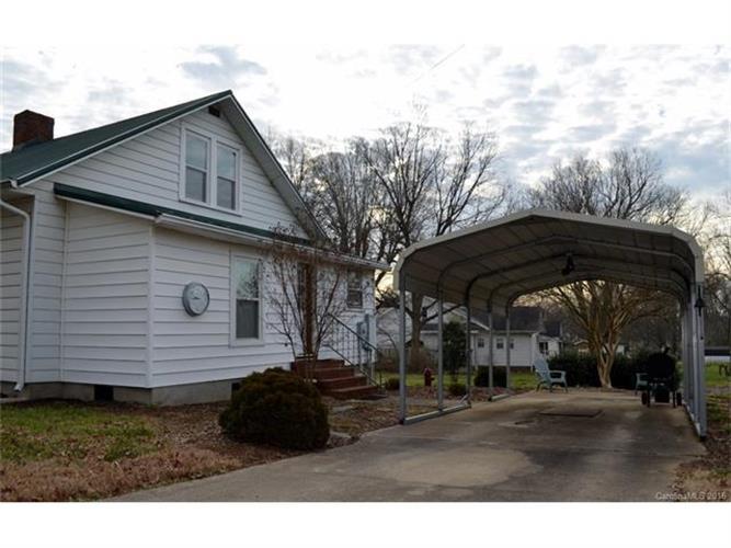 82 Stony Point School Rd, Stony Point, NC 28678