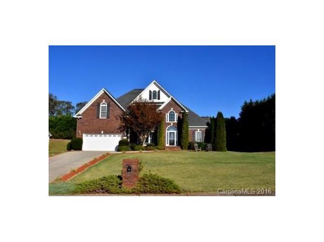 2696 Charleston Ct, Claremont, NC 28610