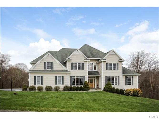 11 Isabels Way ROAD, Brookfield, CT 06804