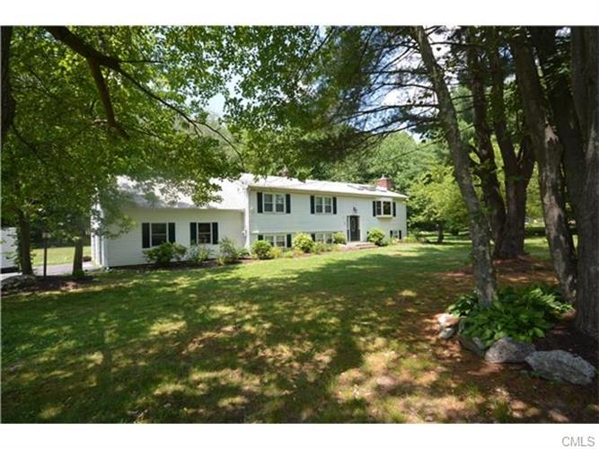 189 Bethmour Rd, Bethany, CT 06524