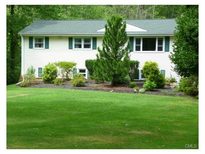 8 Overbrook DRIVE, New Fairfield, CT 06812