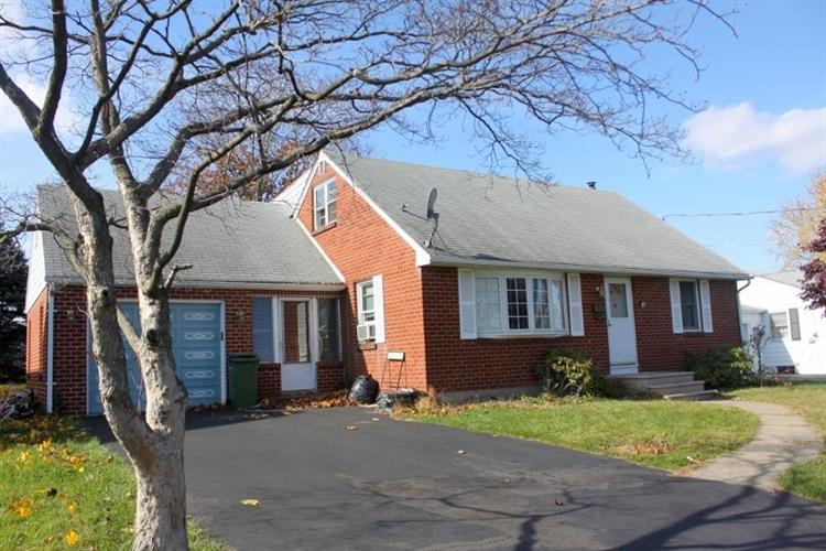 592 Schley Ave, Pohatcong Township, NJ 08865