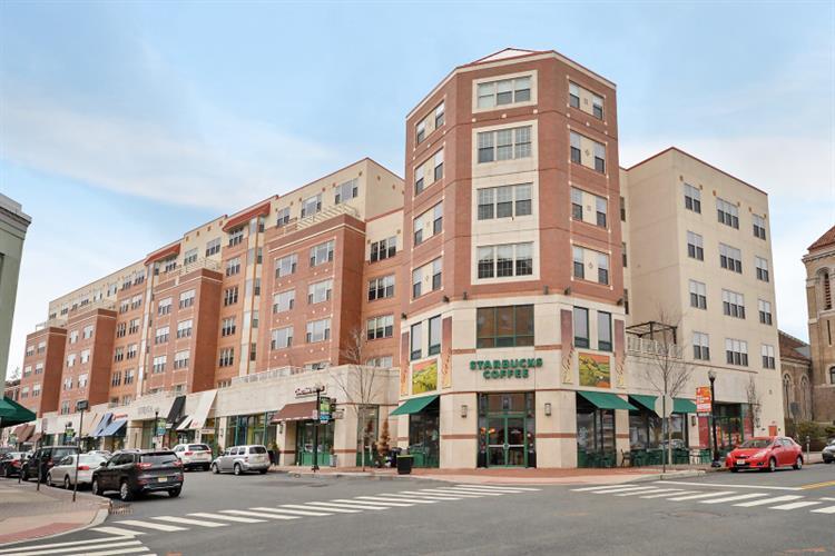 48 S Park St # 511, Montclair, NJ 07042