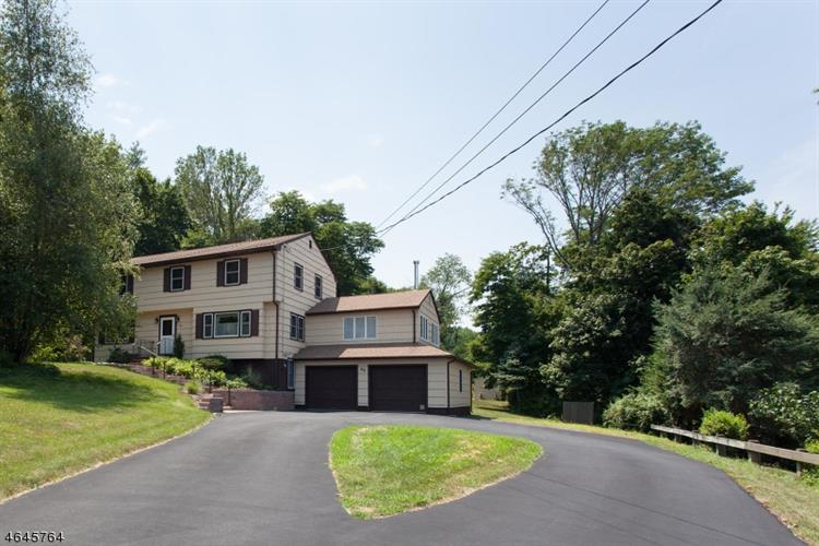 22 Starview Dr, Hillsborough, NJ 08844