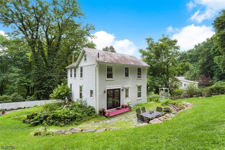 107 Mine Rd, High Bridge, NJ 08829