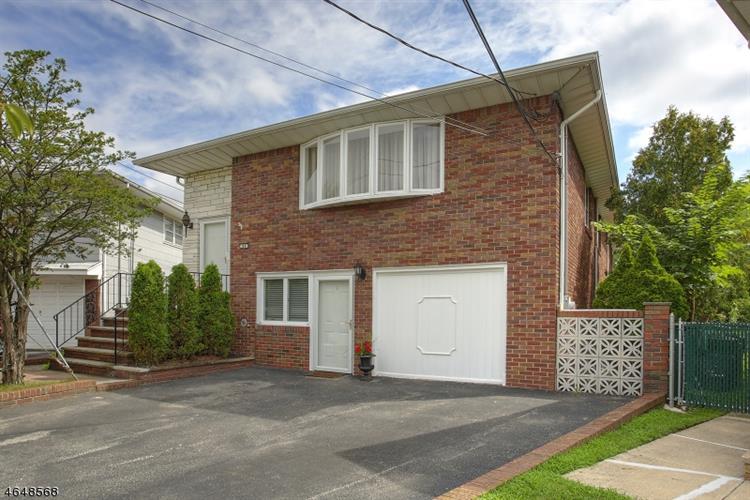 84 Dorothea Ter, Belleville, NJ 07109