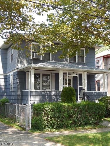 753 Clark Ave, Ridgefield, NJ 07657