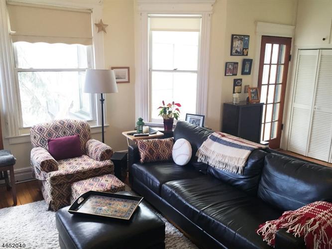 212 Hillside Ave, Glen Ridge, NJ 07028