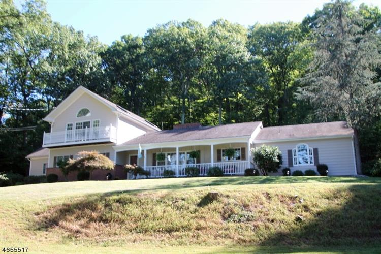 32 SPRING HILL RD, Franklin Twp, NJ 08801
