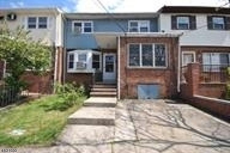 38 Suburbia Dr, Jersey City, NJ 07305