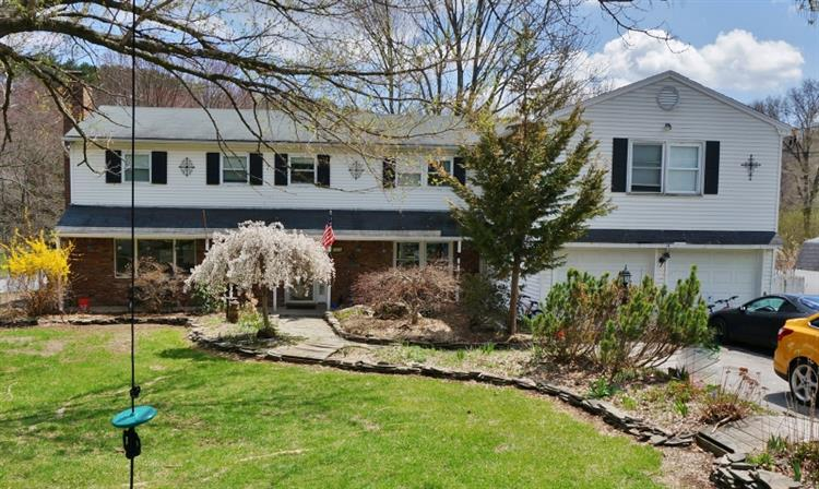 14 Courtland Drive, Wantage, NJ 07461