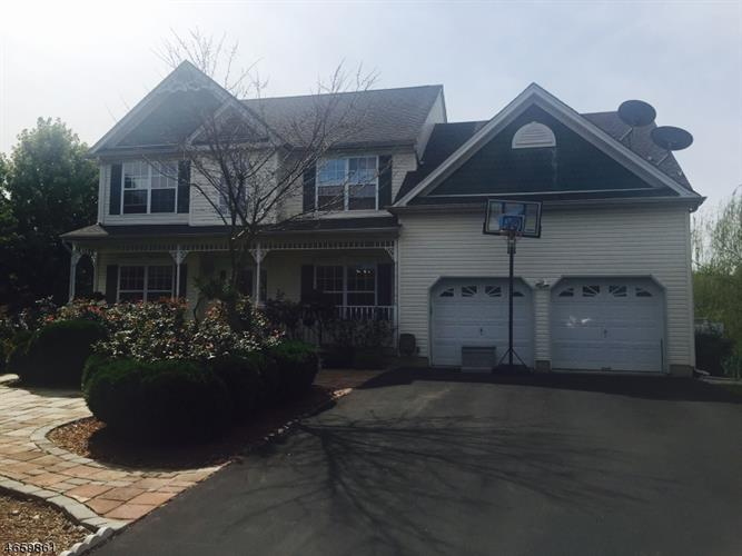 28 Van Nest, Oxford, NJ 07863
