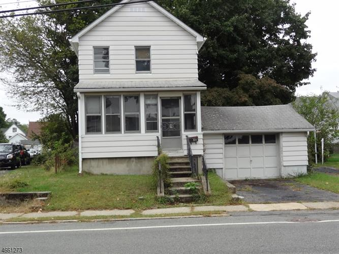 21 Union Ave, Bloomingdale, NJ 07403