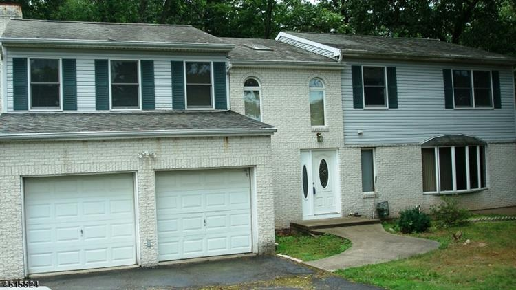 537 Van Emburgh Ave, Township Of Washington, NJ 07676
