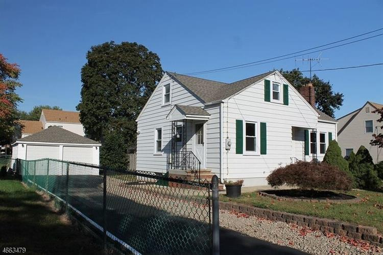 339 N 8th Ave, Manville, NJ 08835