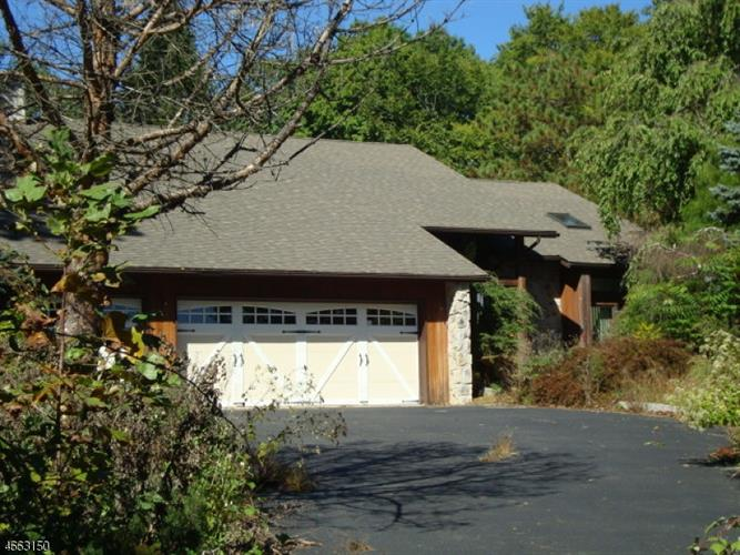 38 Auble Rd, Blairstown, NJ 07825