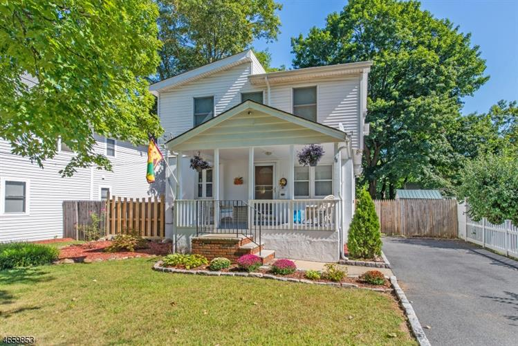 44 Maple Ave, Bloomingdale, NJ 07403