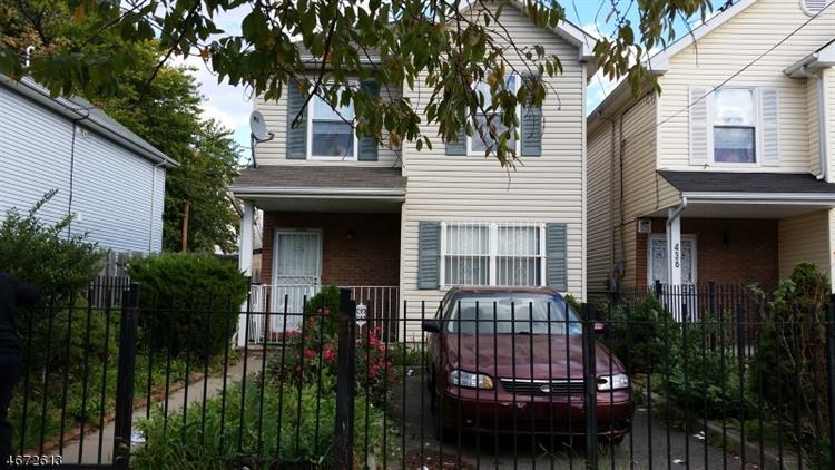 434 S 17th St, Newark, NJ 07103