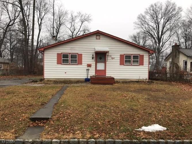 98 Chesapeake Ave, Lake Hiawatha, NJ 07034