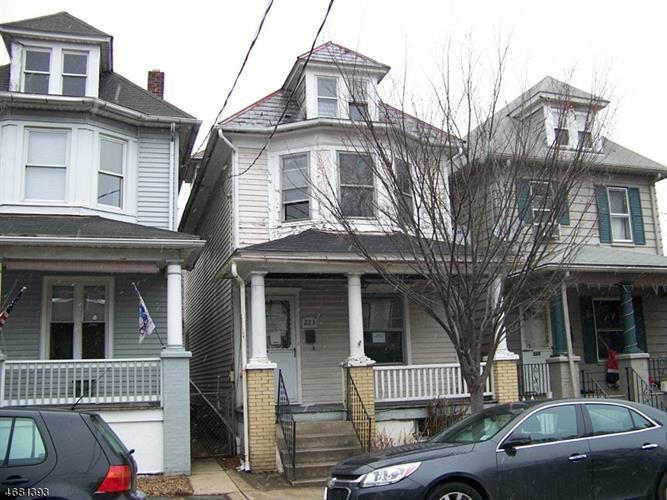 223 Lewis St, Phillipsburg, NJ 08865