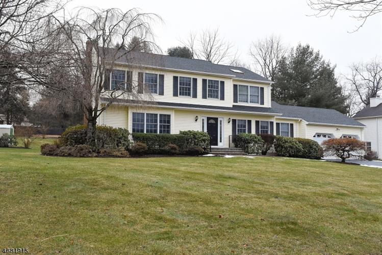 22 Valley Rd, Succasunna, NJ 07876