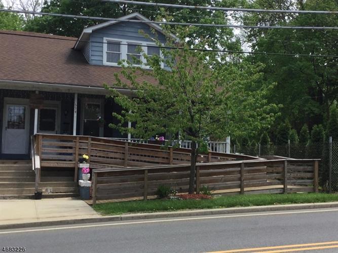 694 Hawk Ave, Alpha, NJ - USA (photo 1)