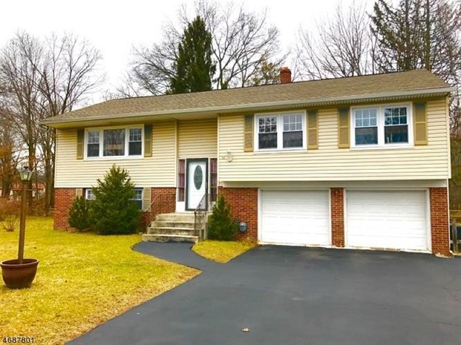 56 White Oak Ct, Parsippany, NJ 07054