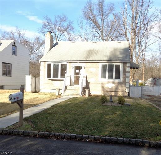 35 Riveredge Dr, Fairfield, NJ 07004