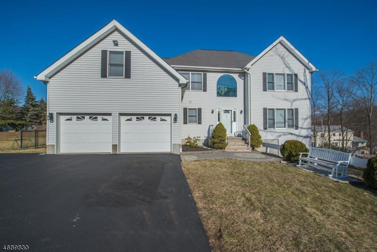 453 Mount Hope Rd, Wharton, NJ 07885