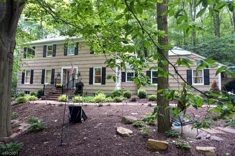 330 Fairview Ave, Long Valley, NJ 07853