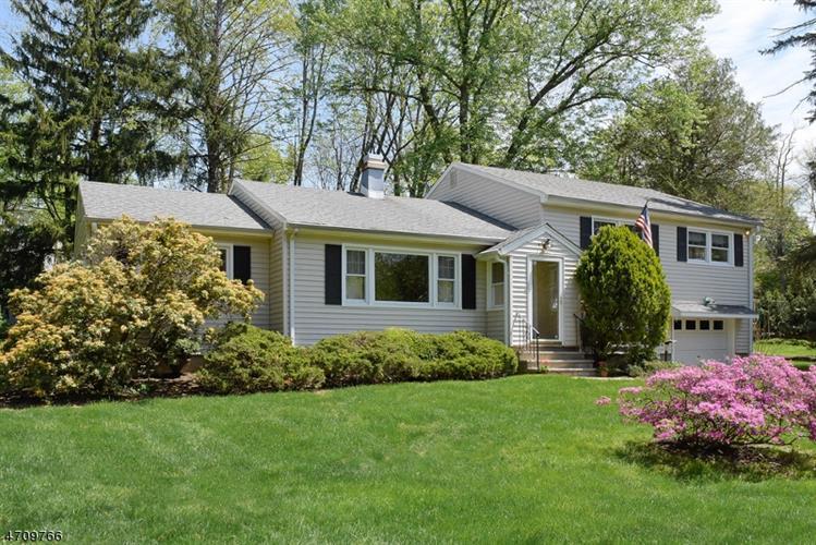 16 Woodland Rd, Montville Township, NJ - USA (photo 1)