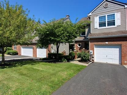 24 Meeker Ct , Roseland, NJ