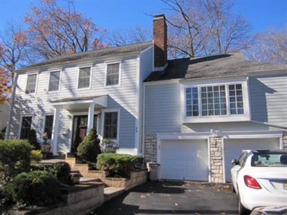 32 Ridge Dr, Livingston, NJ 07039