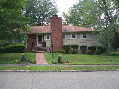 16 Crossbrook Ln, West Caldwell, NJ 07006