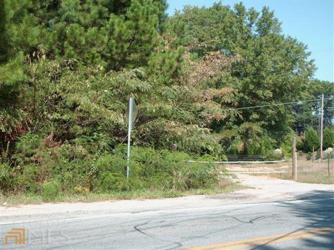 1375 Hewatt Rd, Lilburn, GA