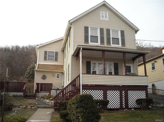 53 West St, Highland Falls, NY 10928