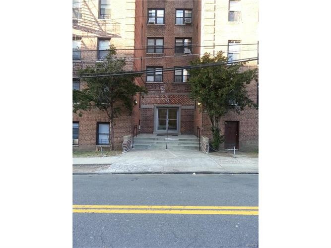 43 Amberson Avenue, Yonkers, NY 10705