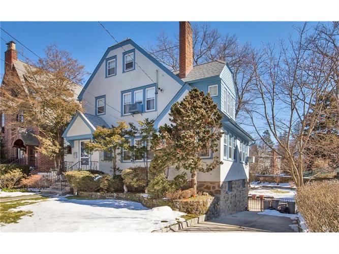 9 Stafford Pl, Larchmont, NY 10538