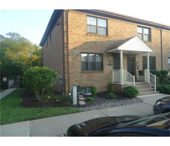 709 Sharon Garden Court, Woodbridge, NJ 07095