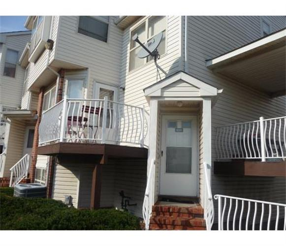 826 Harbortown Boulevard, Perth Amboy, NJ 08861