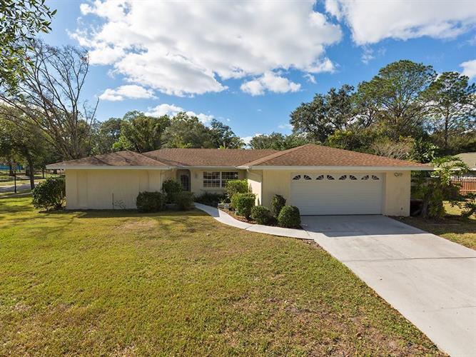 504 Spring Oaks Blvd, Altamonte Springs, FL 32714