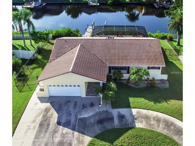 824 Eagle Ln, Apollo Beach, FL 33572