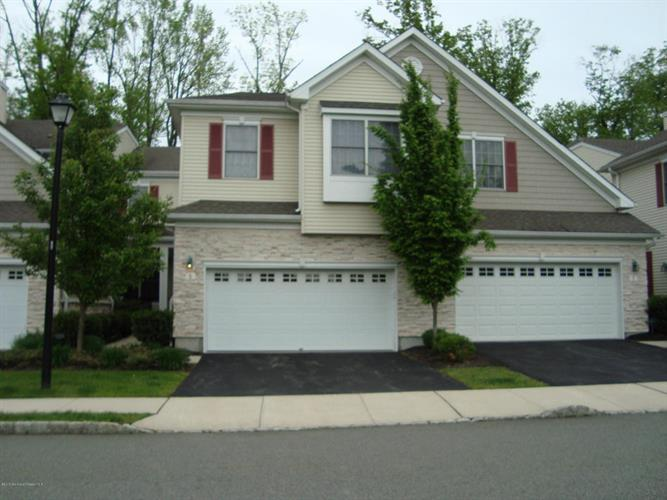 5 Love Lane, Roseland, NJ 07068