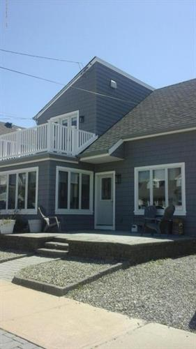 6 Washington Avenue, Lavallette, NJ 08735