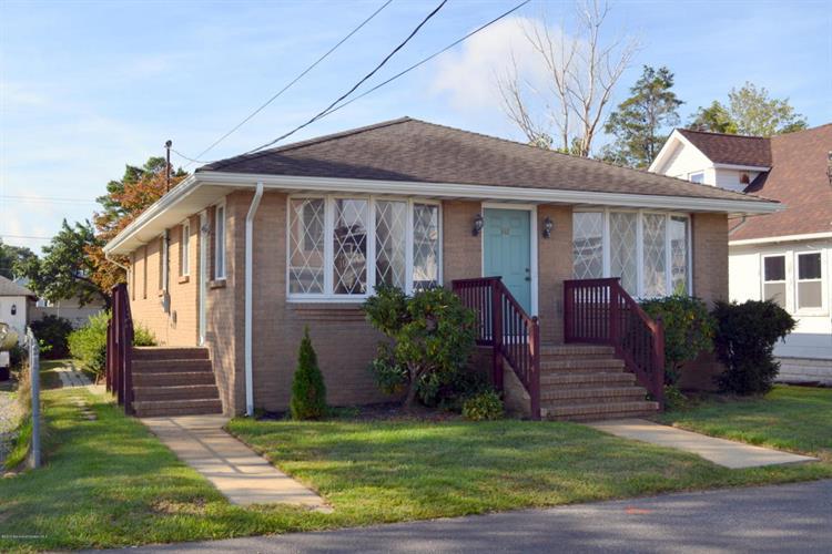 546 E Longport Ave, Ocean Gate, NJ 08740