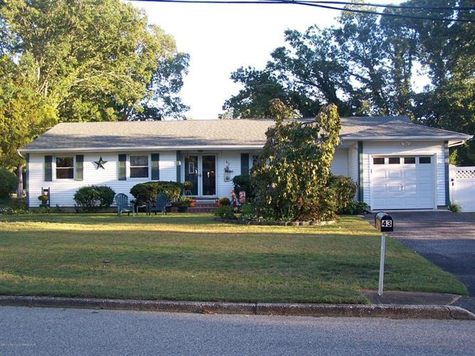 43 Nanlyn Terrace, Toms River, NJ 08753