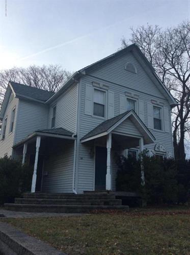 20 Monmouth Rd, Oakhurst, NJ 07755