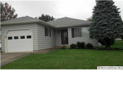 13 Piccadilly Ct, Toms River, NJ 08757